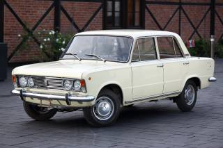 P for Paradox. A Tale of Fiat 125p
