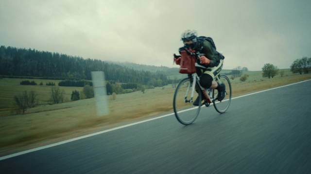 Race Through Poland: Weather to Scratch – pokaz filmu i spotkanie w Kinie Pod Baranami
